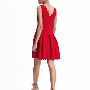 Banana Republic Red Scalloped Dress Sz 6